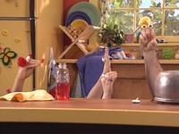 Oobi-Make-Music-clapping-with-Grampu
