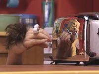 Oobi-Haircut-toaster-reflection