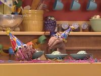 Oobi-Uma's-Birthday-ice-cream