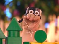 Oobi-Build-Fort-Oobi-close-up