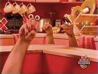 Oobi-shorts-Popcorn-Grampu-talking