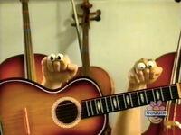 Oobi-shorts-Guitar-thinking