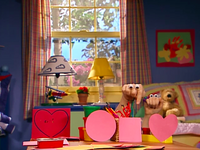 Oobi-Valentine-heart-shape