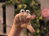 Oobi-Garden-Day-Oobi-pointing