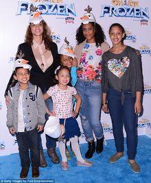 Dascha and her three kids at the Frozen premiere 2014.jpg