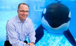 Jim-and-whale.jpg