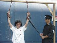 2004-12-10-2004-8-9-torture loh