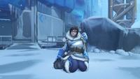 Mei victorypose kneeling