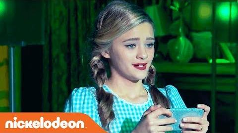 Lizzy_Greene_Performs_'Together'_Wonderful_Wizard_of_Quads_Music_Video_NRDD_Nick-0
