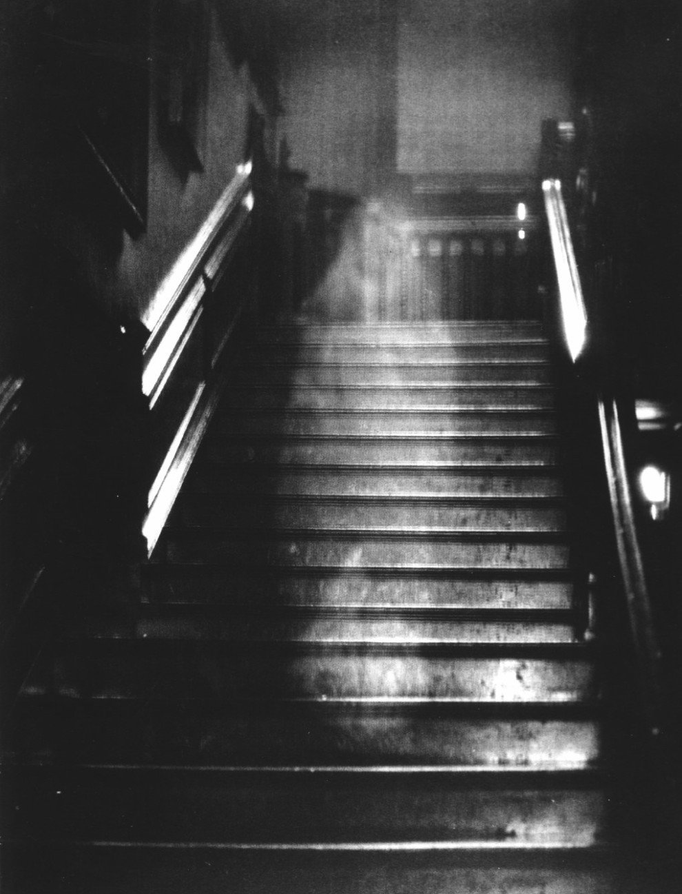 Ghosts (folklore)