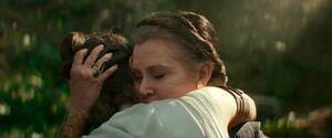 Rey hugs Leia