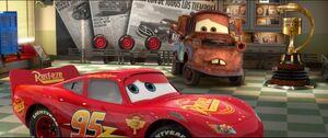 Cars2-disneyscreencaps.com-1108