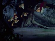 Snow-white-disneyscreencaps.com-3724