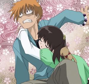 Kagura hug Kyo