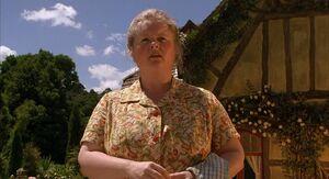 Esme Hoggett asking Arthur what doing with that gun