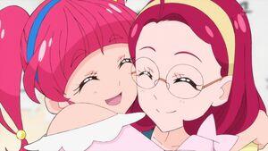 STPC18 Hikaru hugs her mom