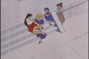 Amy, Raye, Lita and Mina comforting Serena