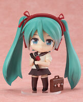 Nendoroid-0381a-Hatsune-Miku-Sailor-Uniform-version