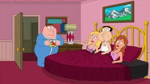 Family-Guy-Season-17-Episode-18-28-dc09