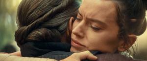 Rey hugs Leia 2