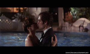 James Bond and Pam Bouiver's kiss