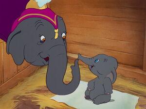 Dumbo-disneyscreencaps.com-1055