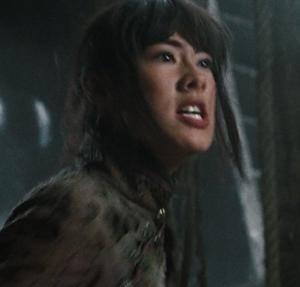 Lin facing the Dragon Emperor's thugs