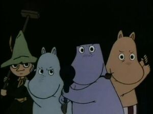 Moomin-Family Facing the Groke