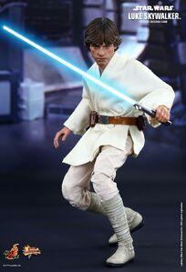 Hot-toys Luke ANH (with lightsaber)