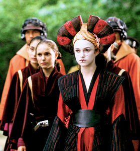 Keira Knightley as Sabé and Natalie Portman as Padme in Star Wars Episode I - The Phantom Menace - 4