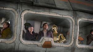 Poe, Leia, C3PO