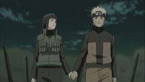 Naruto-and-hinata-hold-hands1-1024x576