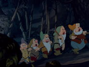 Snow-white-disneyscreencaps.com-2896