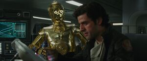 C-3PO and Poe - TLJ