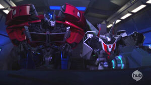 LooseCannons Optimus and Wheeljack in Jackhammer