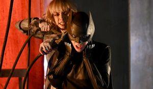 Batwoman vs Alice