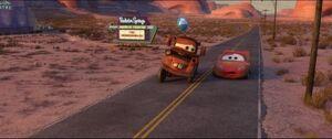 Cars2-disneyscreencaps.com-1238