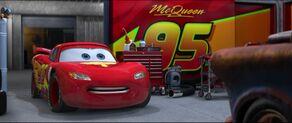 Cars2-disneyscreencaps.com-4874