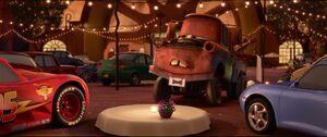 Cars2-disneyscreencaps.com-1364
