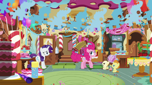 Pinkie Pie Takes out an Accordion