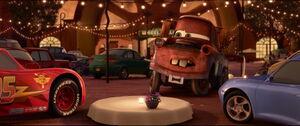 Cars2-disneyscreencaps.com-1380
