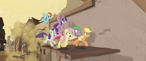 Twilight and friends escape Klugetown