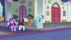 Main ponies continue to stall Neighsay S8E1