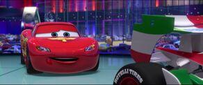Cars2-disneyscreencaps.com-2575