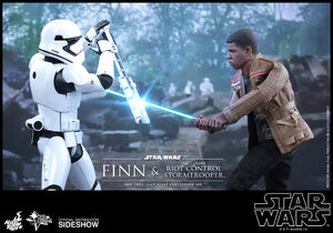 Hot-toys Finn and First Order Riot Control Stormtrooper