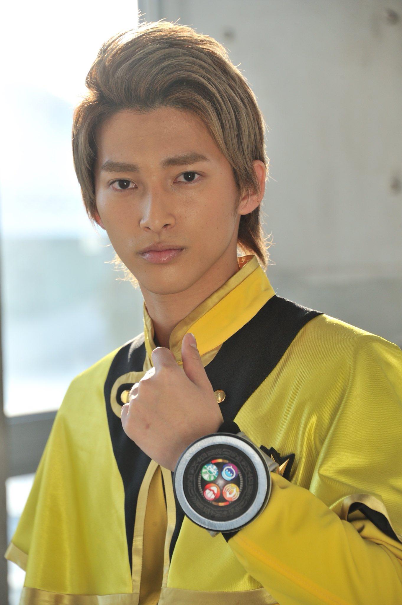 Mashin-Sentai-Kiramager-Scan-6.jpg