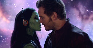 Guardians-of-the-Galaxy-Star-Lord-Gamora-kiss