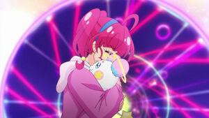 STPC48 Hikaru hugs Fuwa goodbye