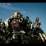 Transformers-The-Last-Knight-Theatrical-Trailer-2-143.jpg