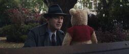 Christopher-robin-movie-screencaps.com-3522